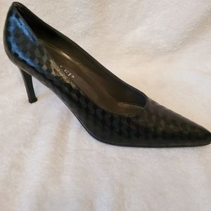 Amalfi by Rangoni 9 1/2 black high heel shoes
